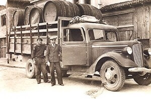 Wine logistics at Villa Vinifera at the beginning of the 20th century