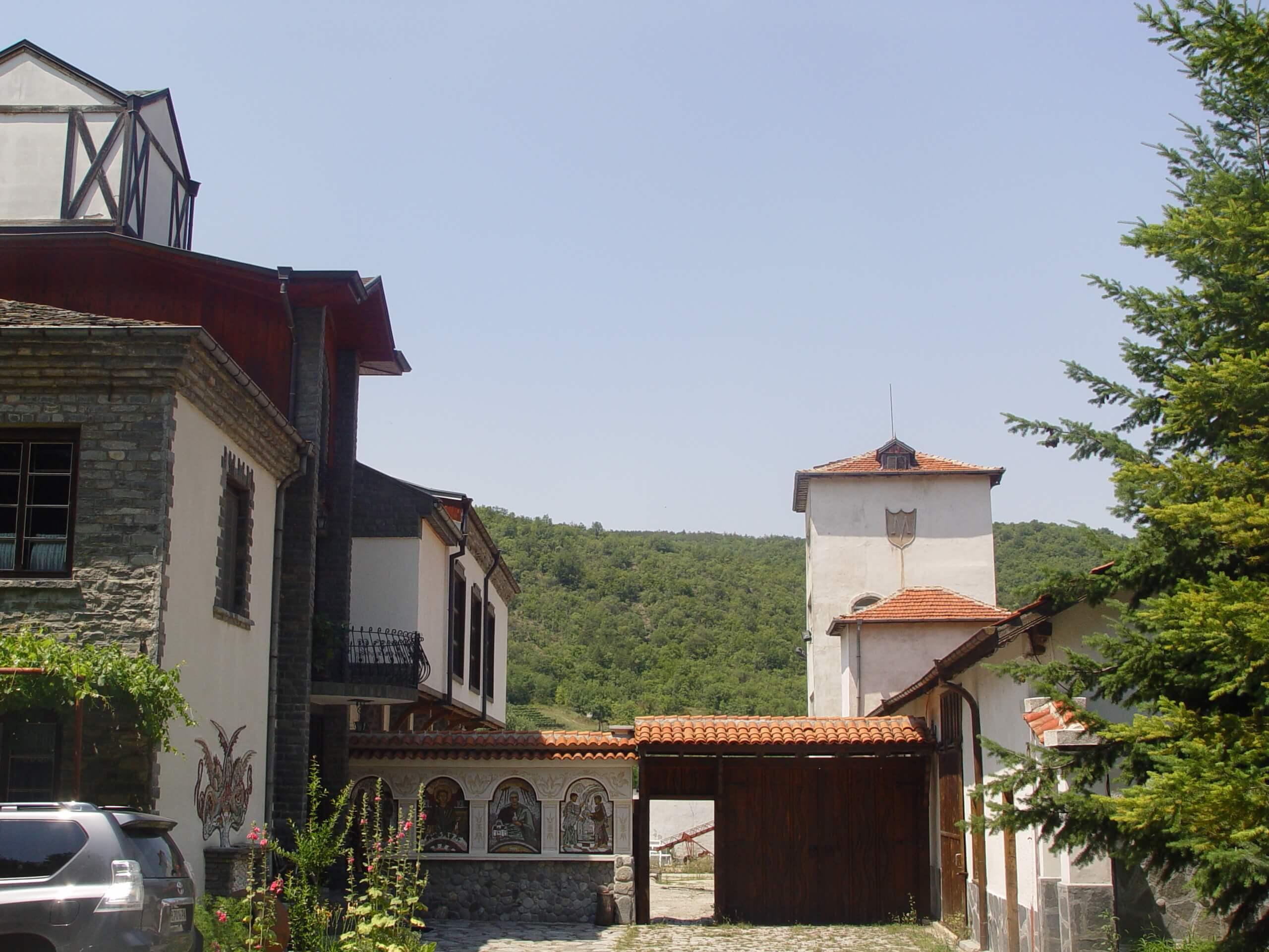 Starata Izba Parvenetz [Old Cellar Parvenetz], 19th century wine cellar