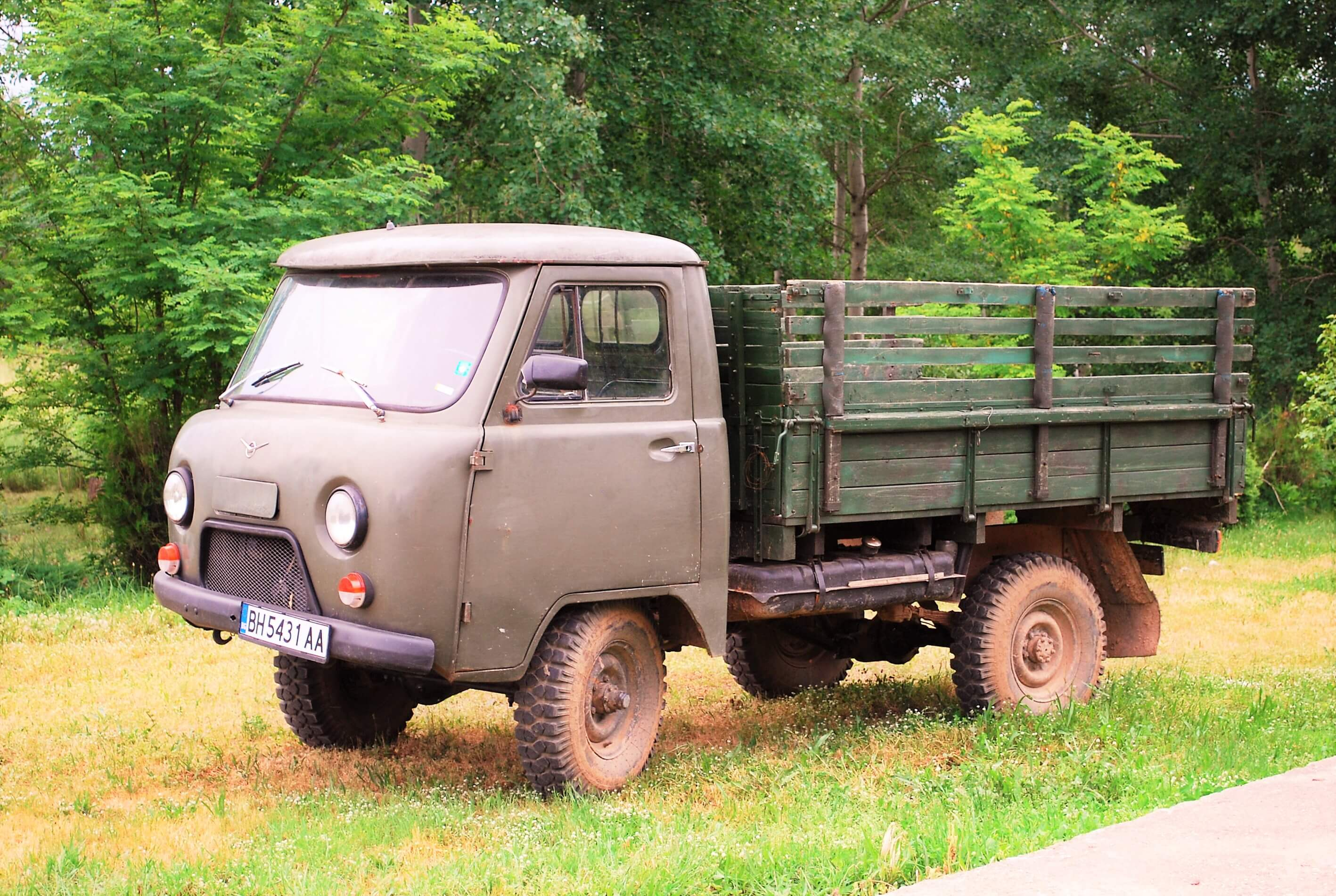 Grape-picking truck